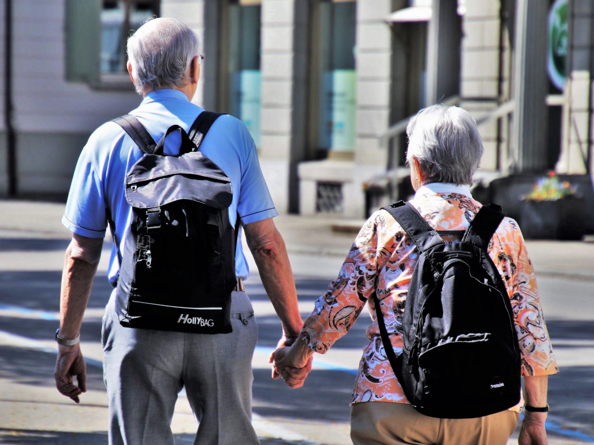 Couple passant leur retraite en Thaïlande