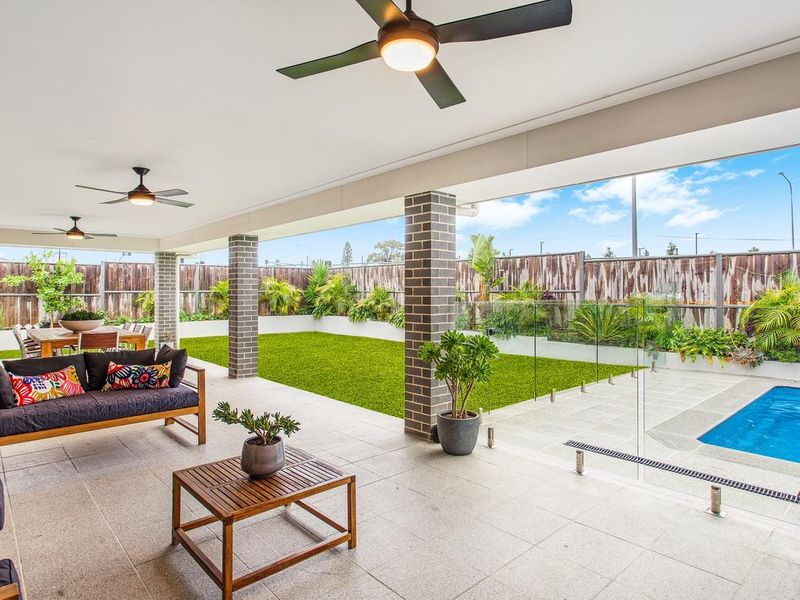 88 Amarco Circuit best for entertaining: real estate the ponds